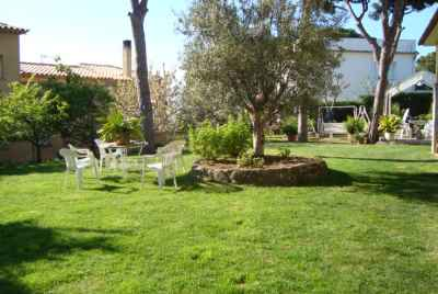 House with large garden in Costa Brava